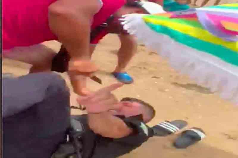 Apuñalan en la playa al jefe de la policía local de Punta Umbría