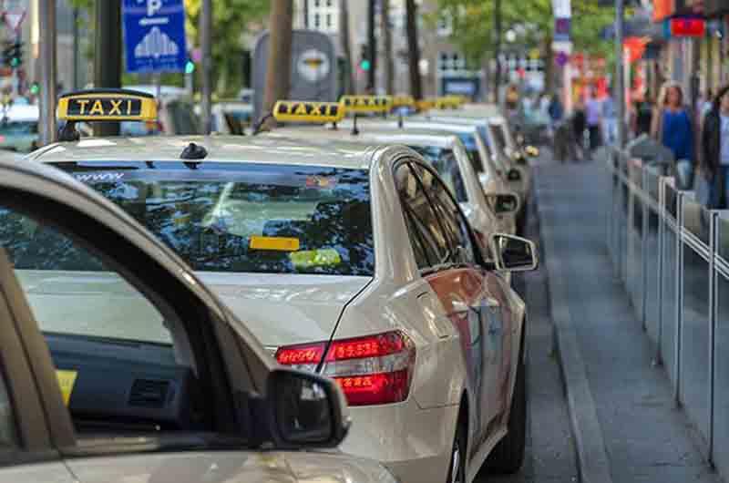 Taxi-Düsseldorf eG demanda a varias empresas de VTC
