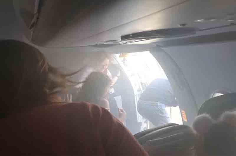 Un vuelo de British Airways se llena de humo antes del aterrizaje