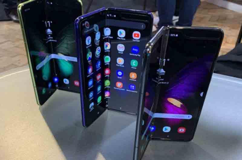 El Samsung Galaxy Fold saldrá en Octubre por 2000 euros