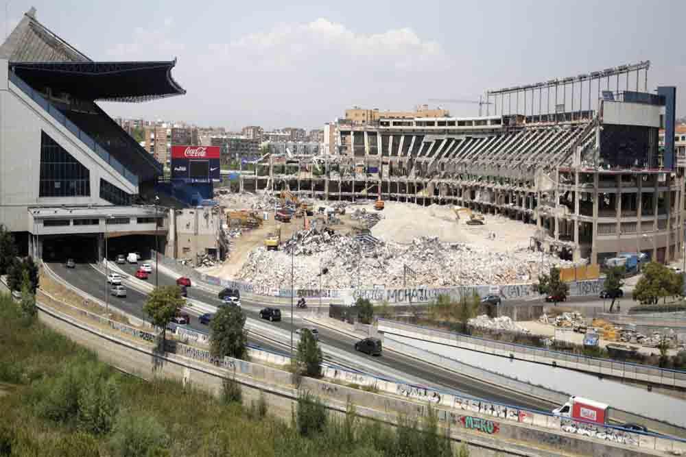 Empieza el desvío de la M-30 por la demolición del Vicente Calderón