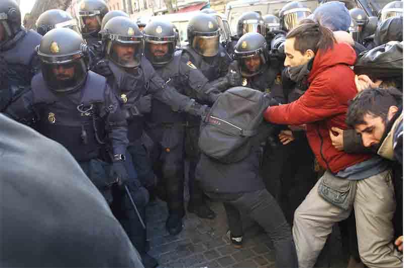 La Policía de Madrid usará dispositivos de defensa con descargas eléctricas