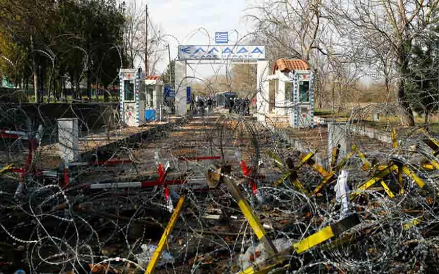 Grecia dispara y ataca a los migrantes después de suspender el derecho de asilo