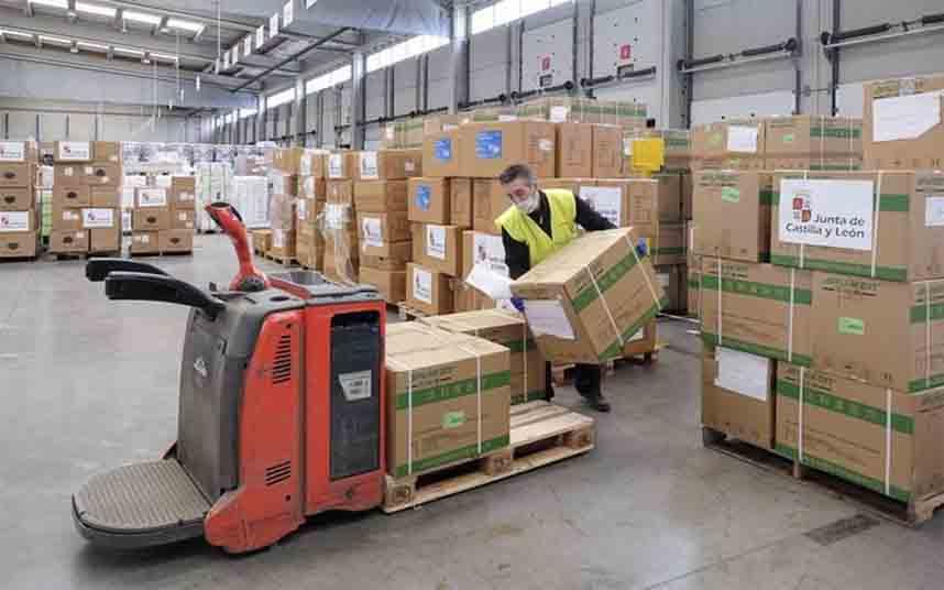 El Gobierno reparte 64 millones de material sanitario entre las CCAA