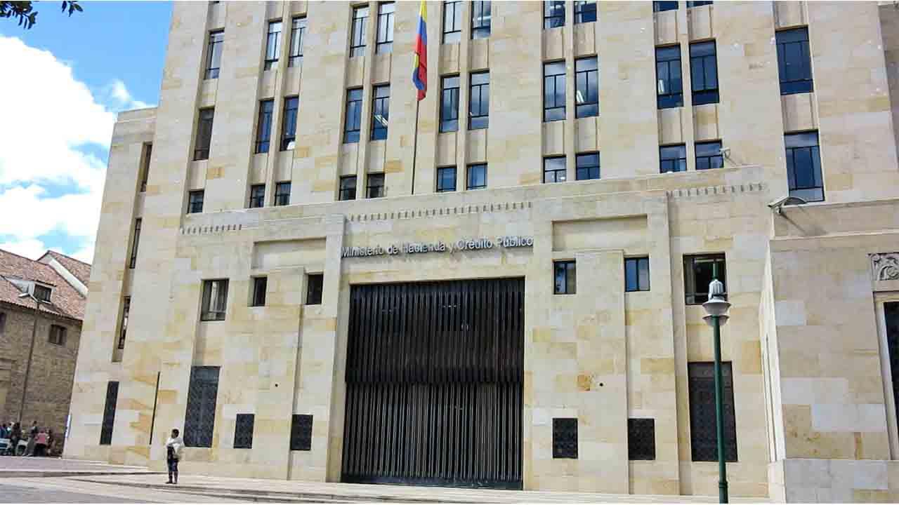 Hacienda aprueba el reparto de 6.000 millones para las comunidades autónomas