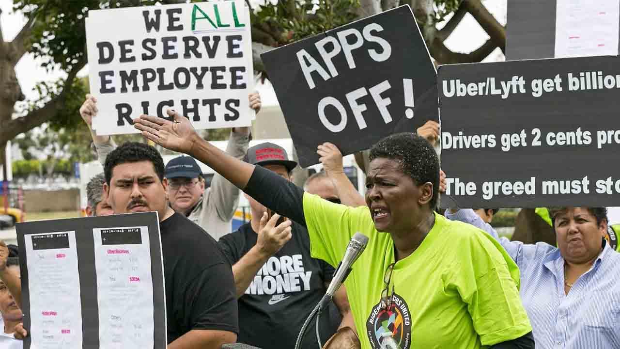 Estratégia de Uber y otros para pasar por encima de la ley