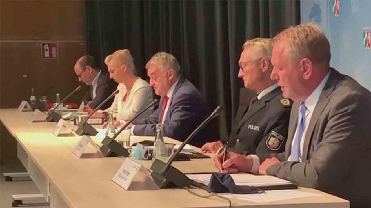 Suspendidos 29 policías en Alemania por difundir imágenes xenófobas en chats neonazis