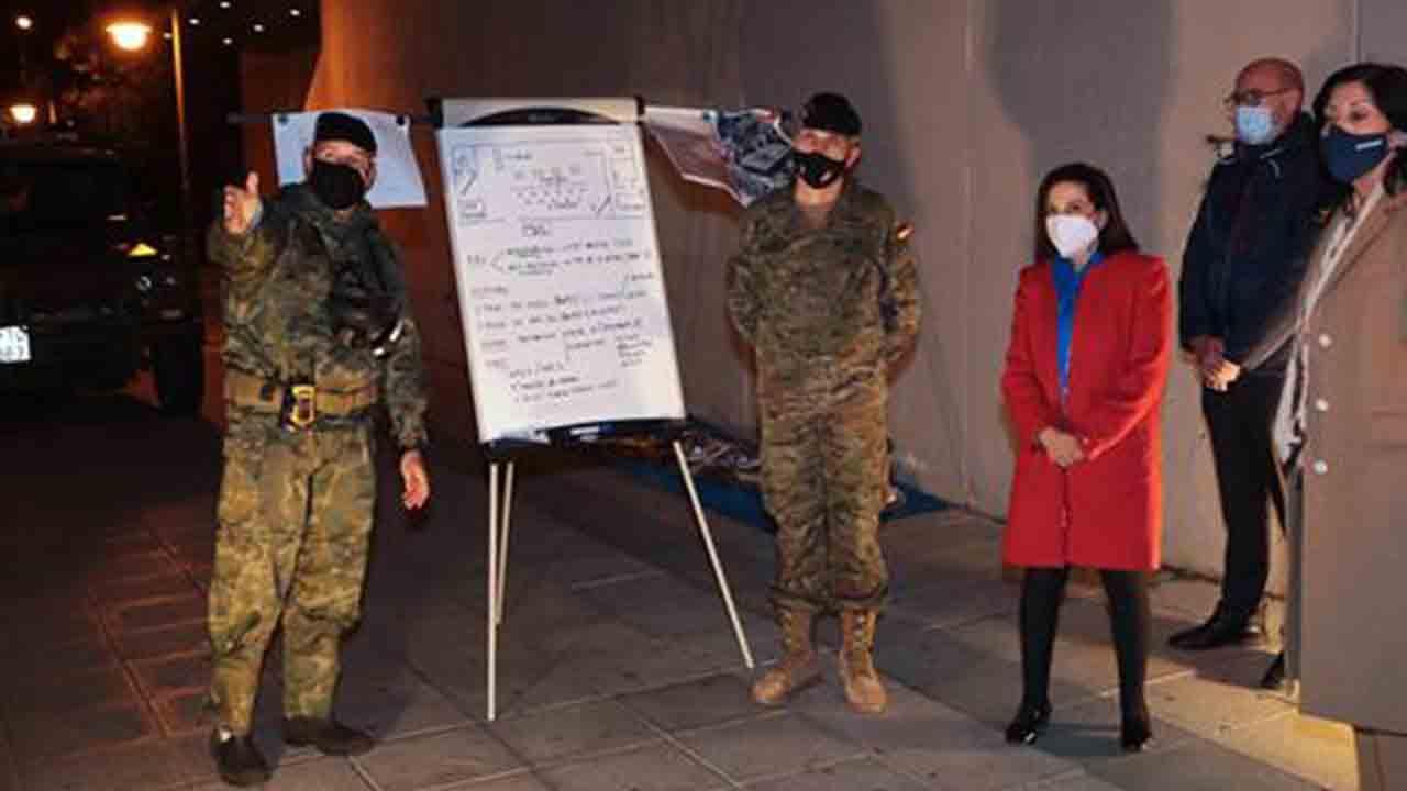 El ejército desinfecta el Centro de Mayores Príncipe de Asturias en Ciudad Lineal