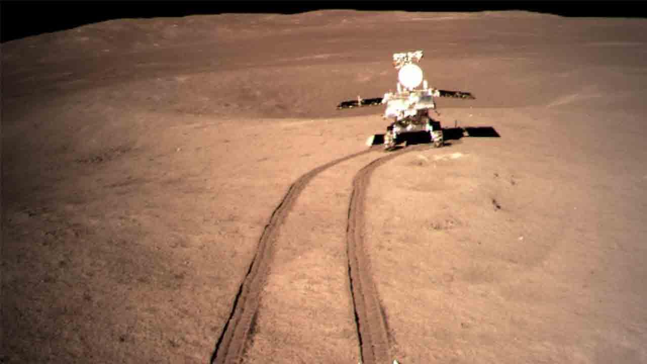 El rover lunar de China viaja 565 metros en el lado lejano de la luna