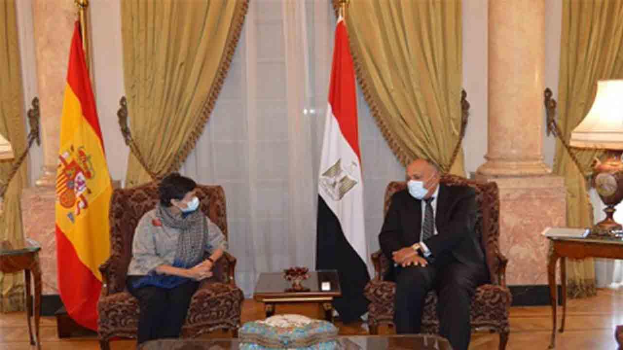 La ministra de exteriores se reúne con su homólogo egipcio para tratar el conflicto palestino-israelí