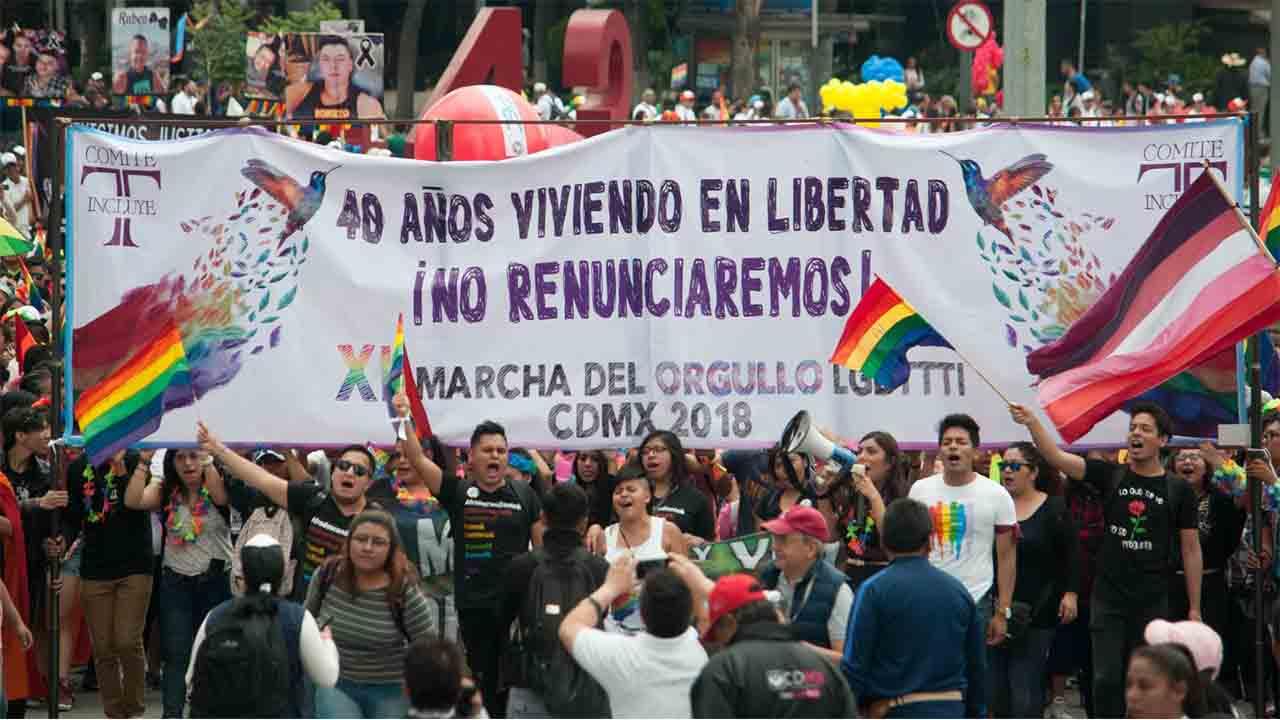 México reforma el código penal para prohibir las 'terapias de conversión' LGTBI