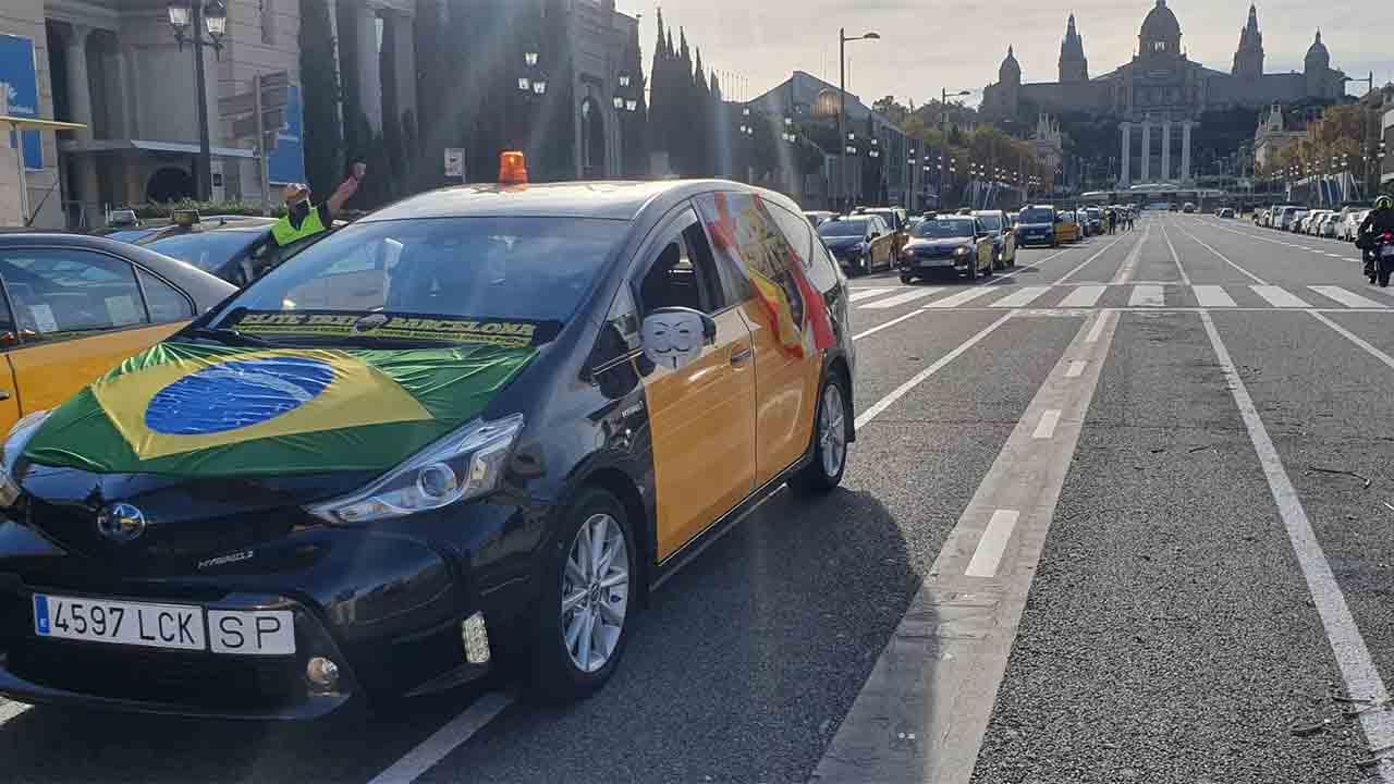 Tercer día consecutivo de movilizaciones de los taxistas de Barcelona