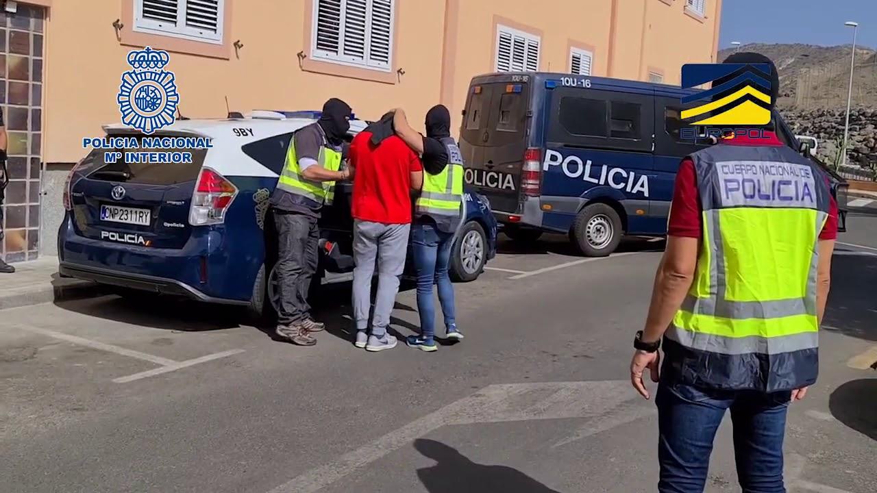 La Policía Nacional neutraliza una célula yihadista que reclutaba mujeres
