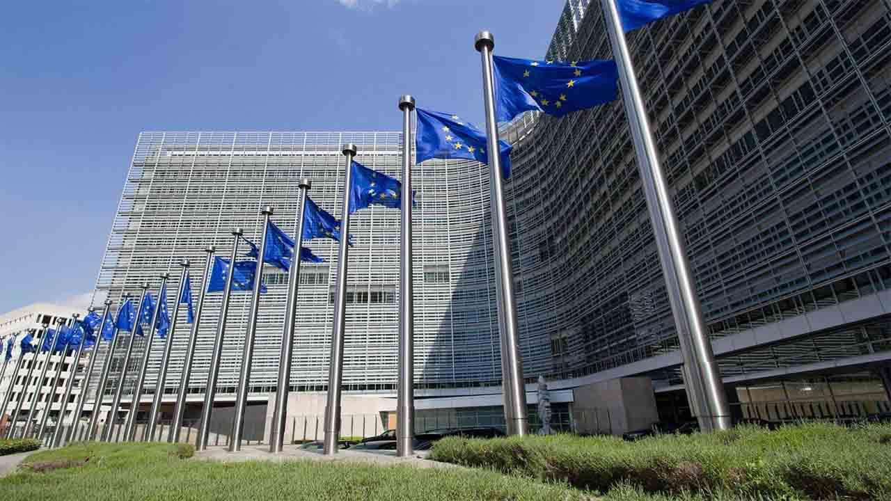 Bruselas aprueba los presupuestos generales de todos los países
