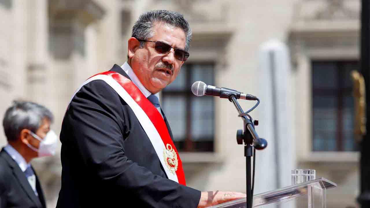 Denuncias por homicidio contra el ex presidente de Perú, varios ministros y policías