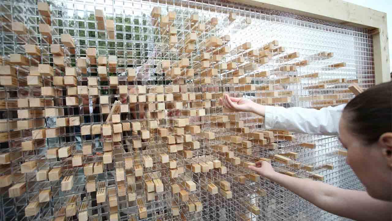 Inauguración de la instalación artística `Desaparece el muro´ en las Naves Matadero, en Madrid
