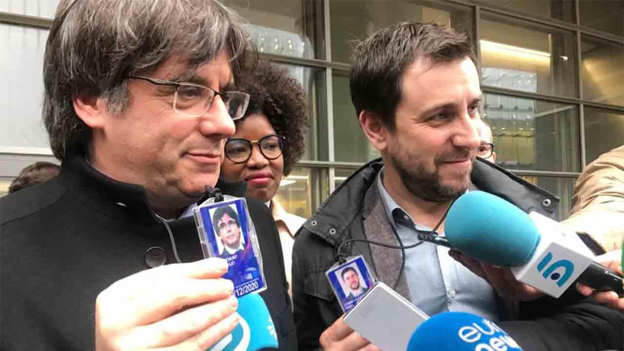 La justicia europea tumba el recurso de Vox para echar a Puigdemont y Comín de la Eurocámara