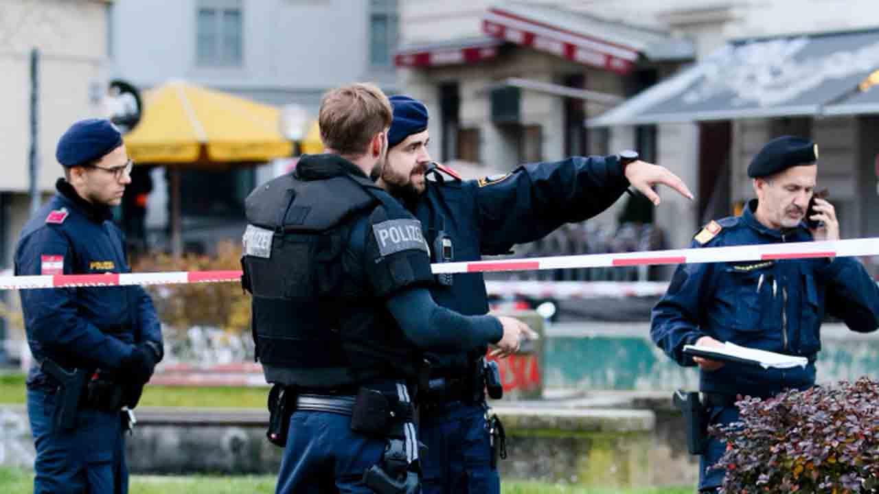 La policía austriaca sigue buscando a los responsables de los ataques