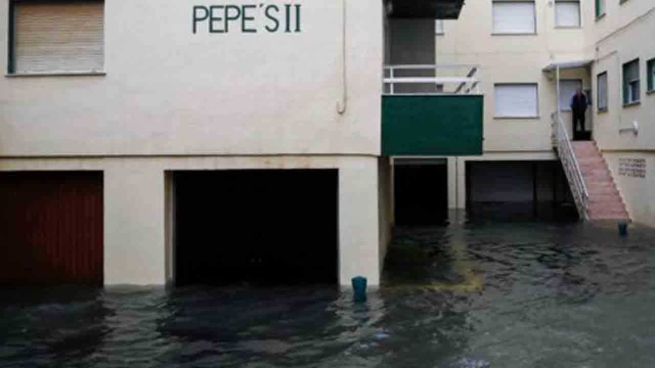 Nivel rojo de alerta en el País Valencià por un temporal que no cesa