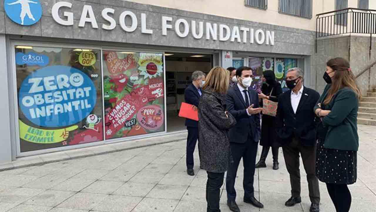 Garzón se reúne con Gasol Foundation para colaborar en la lucha contra la obesidad infantil