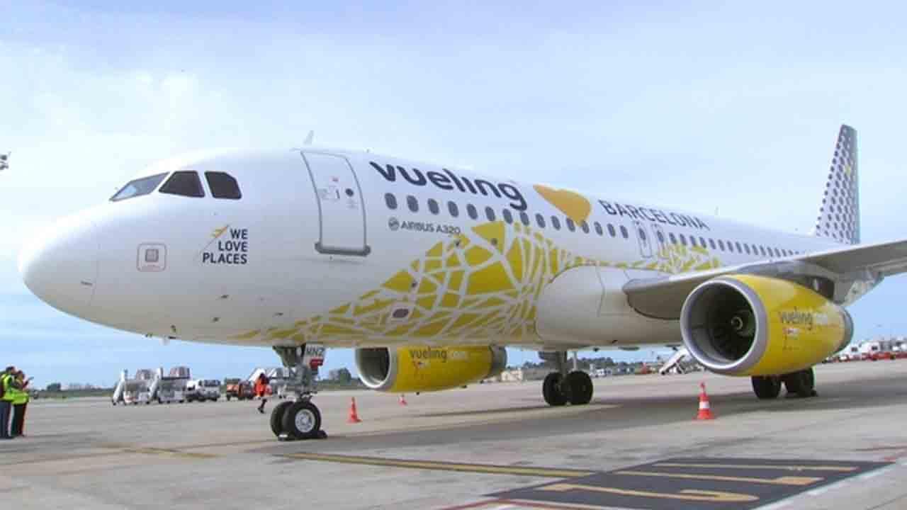 Vueling se compromete a devolver el dinero a los pasajeros afectados por la Covid