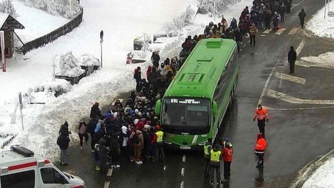 Colapso en la sierra de Madrid al día siguiente de que quedaran atrapadas 350 personas