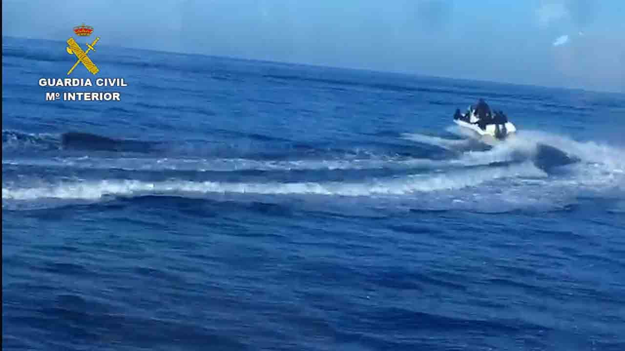 Desarticulan un grupo que transportaba personas de Argelia a España