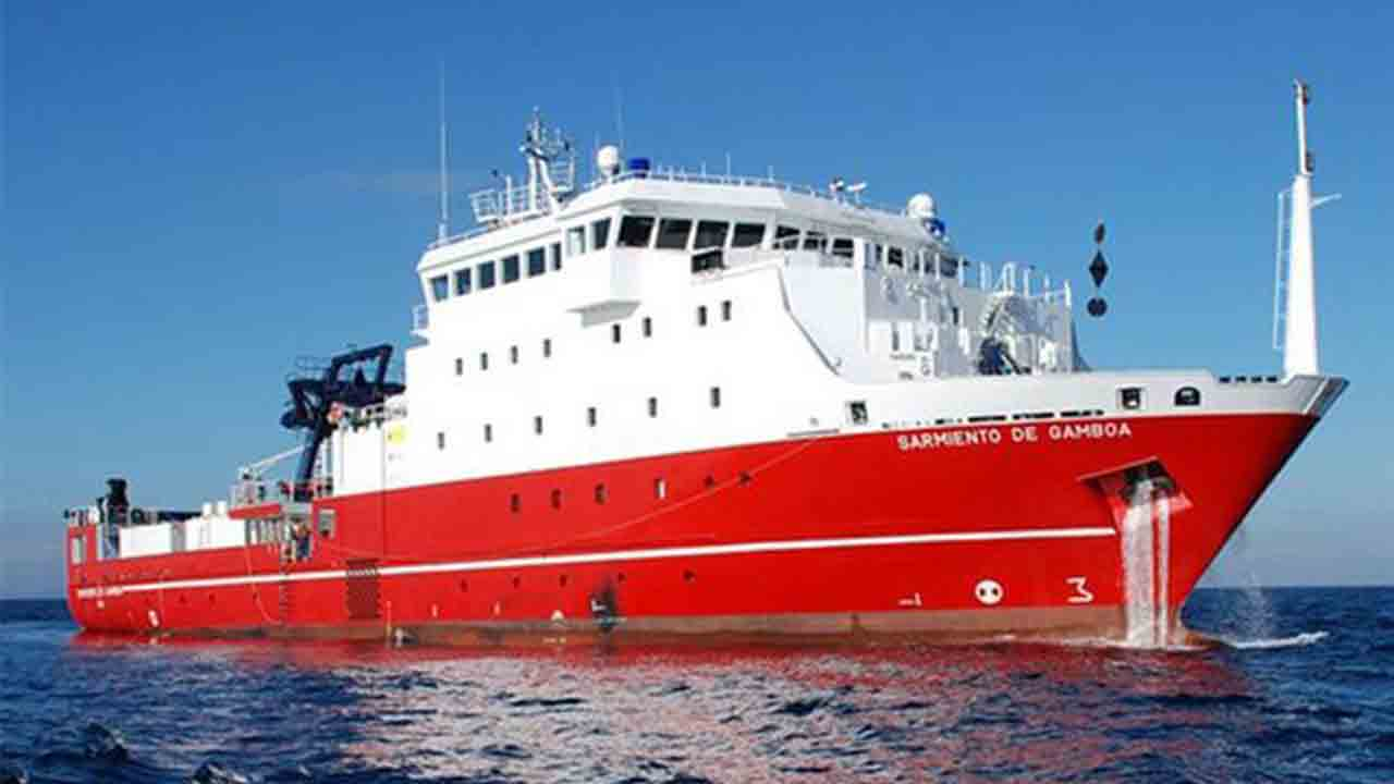 El Sarmiento de Gamboa parte con éxito de Chile rumbo a la Antártida