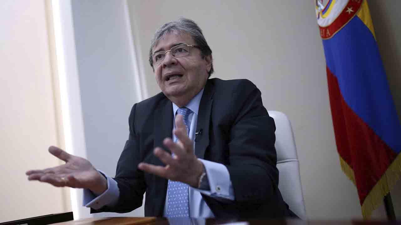 Fallece el ministro de defensa de Colombia por coronavirus
