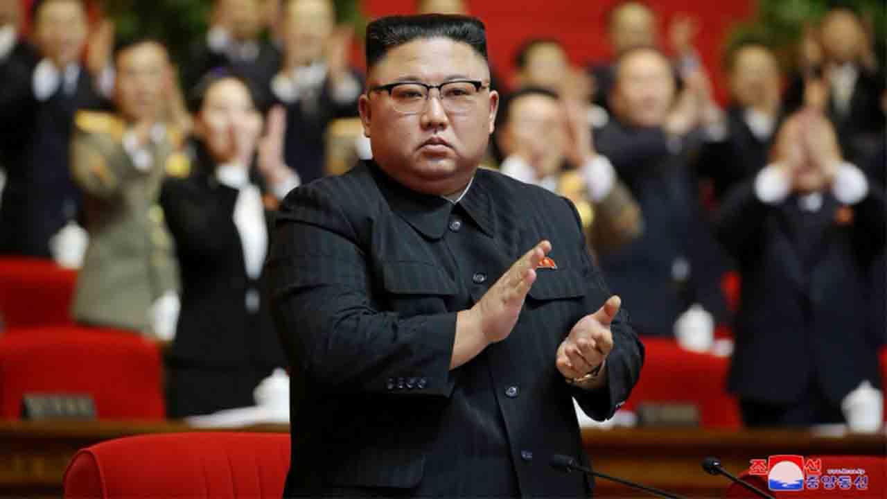 Kim Jong Un asume el título de padre fallecido en un intento por cimentar el poder