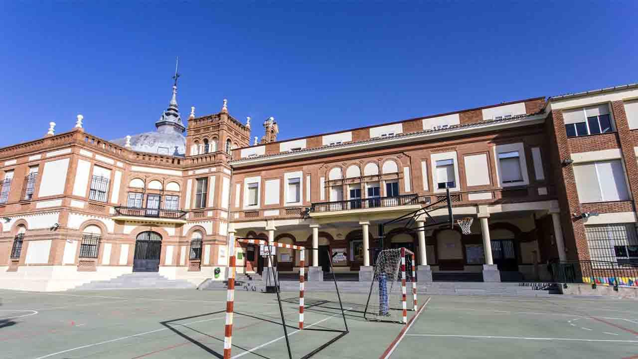 La Comunidad de Madrid suspende las clases presenciales hasta el lunes
