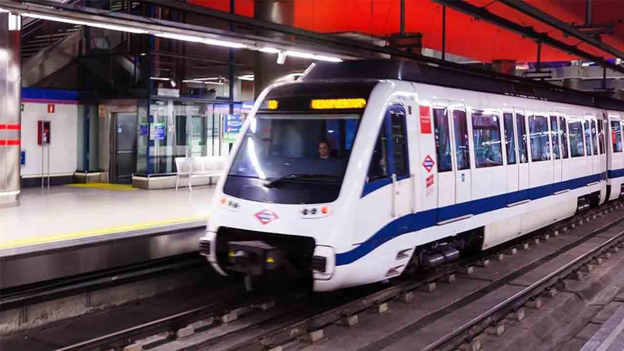 Madrid podría adelantar el horario de apertura del Metro a las 05:00