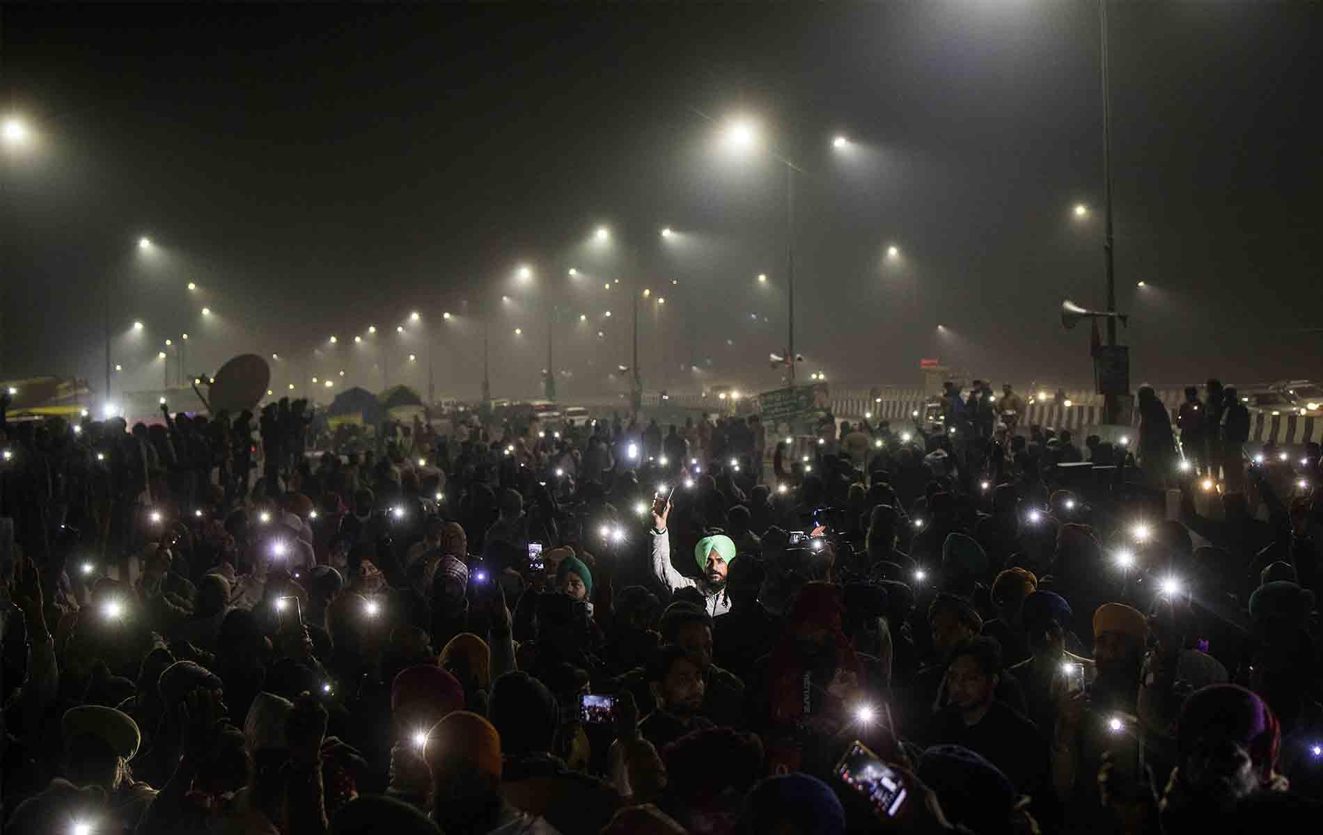 Fuegos artificiales en Nueva Delhi - Nuevo año 2021