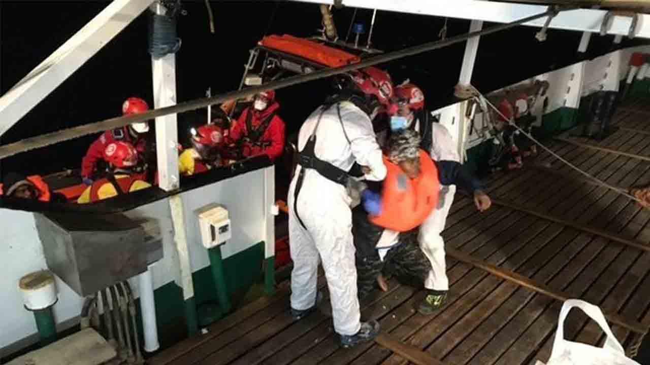 Open Arms termina en 2020 con el rescate de 160 personas en el Mediterráneo