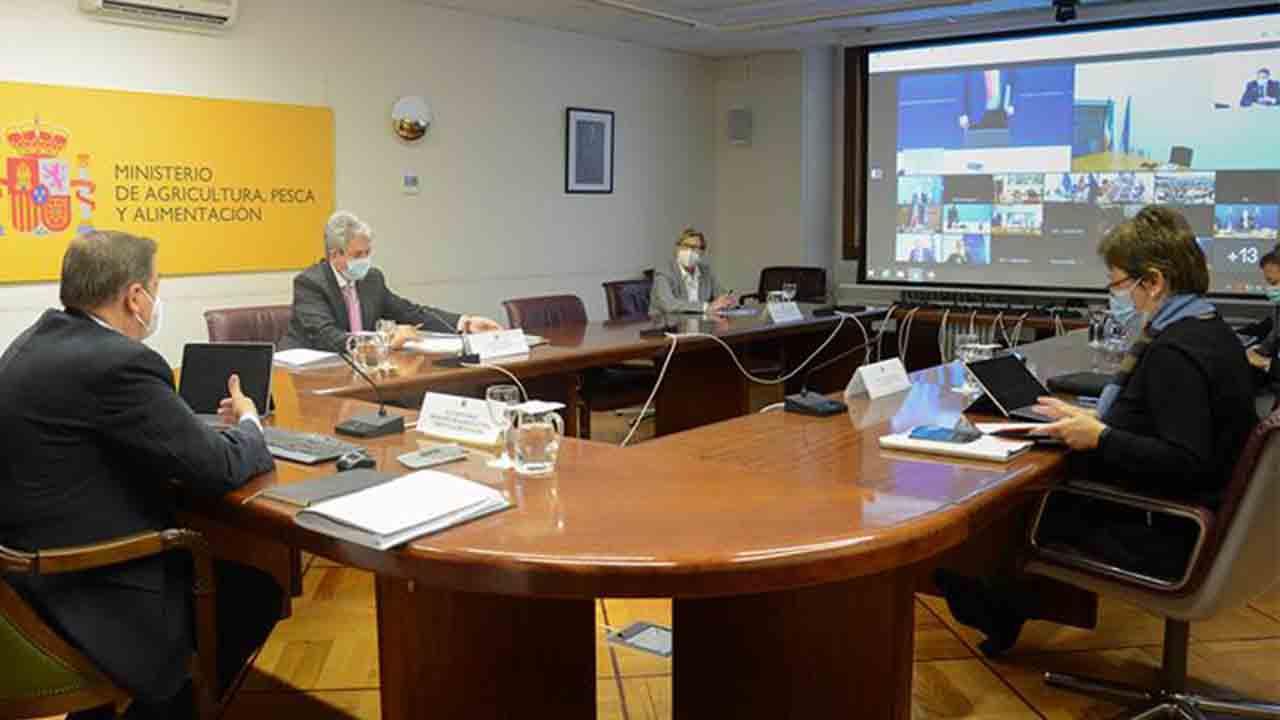 Planas urge a la Comisión que negocie