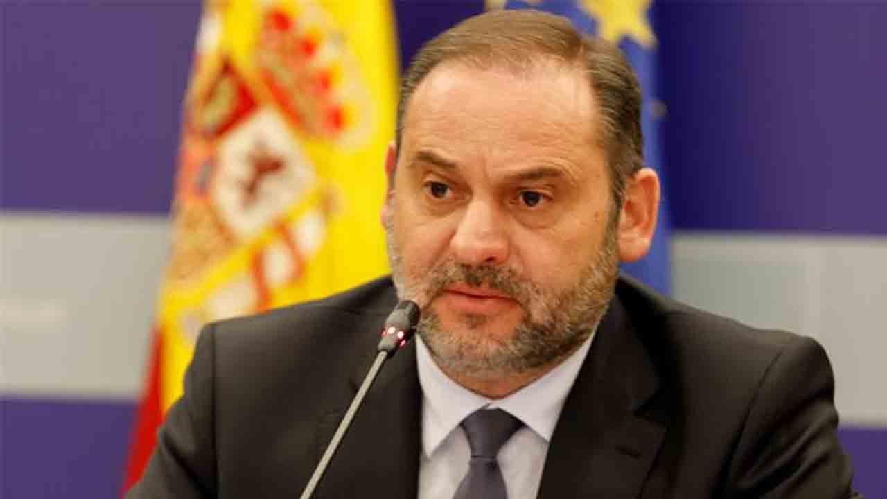 Ábalos ratifica la apuesta de Mitma por el Corredor Cantábrico Mediterráneo