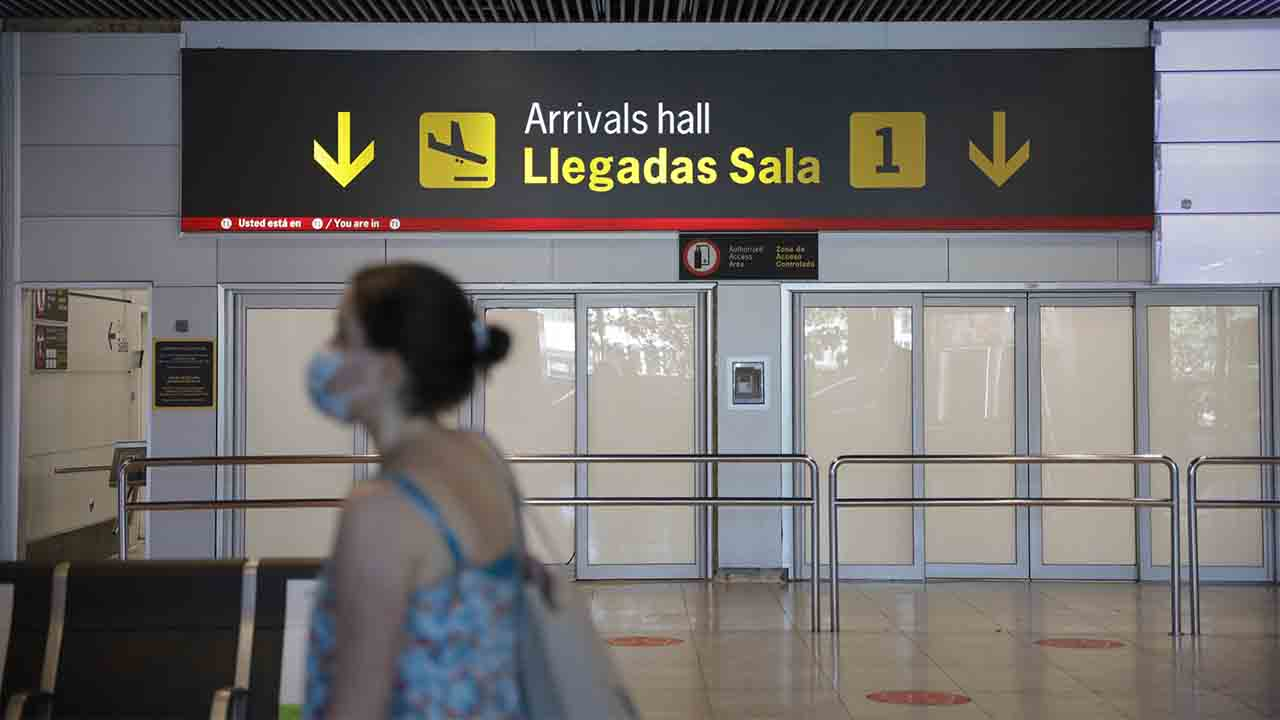 Cuarentenas obligatorias a los viajeros procedentes de Brasil y Sudáfrica