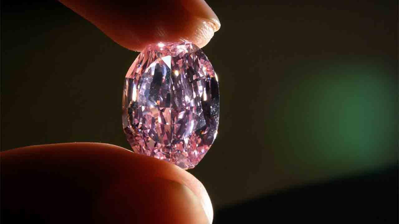 Detenidos por una estafa de 15 millones en diamantes