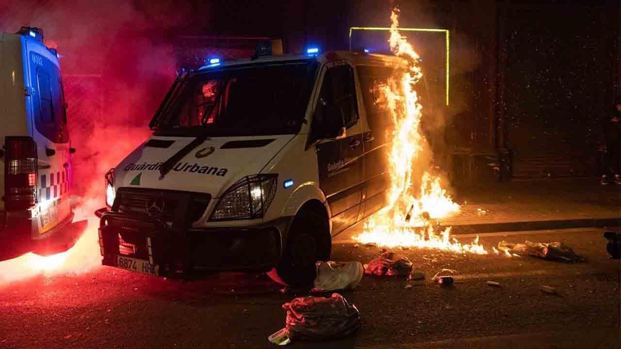 Disturbios en Barcelona y enfrentamientos con la policía en una nueva jornada de protestas