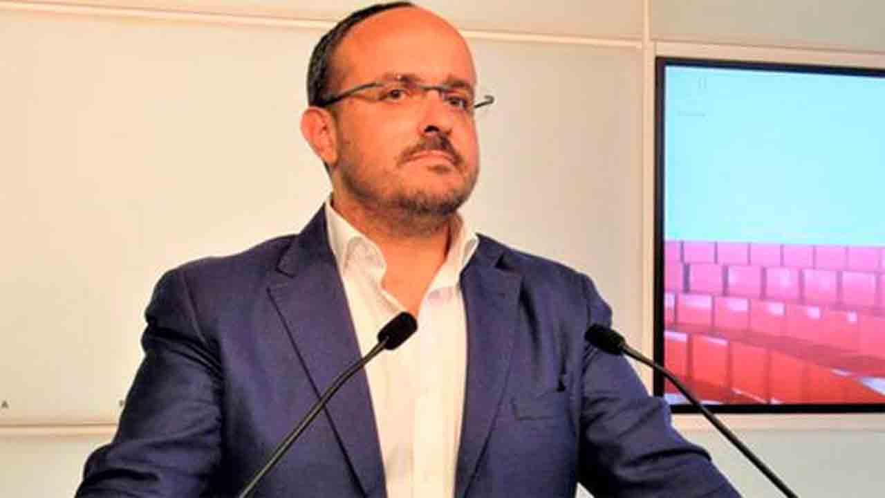 El PP de Cataluña sugiere la absorción de Ciudadanos