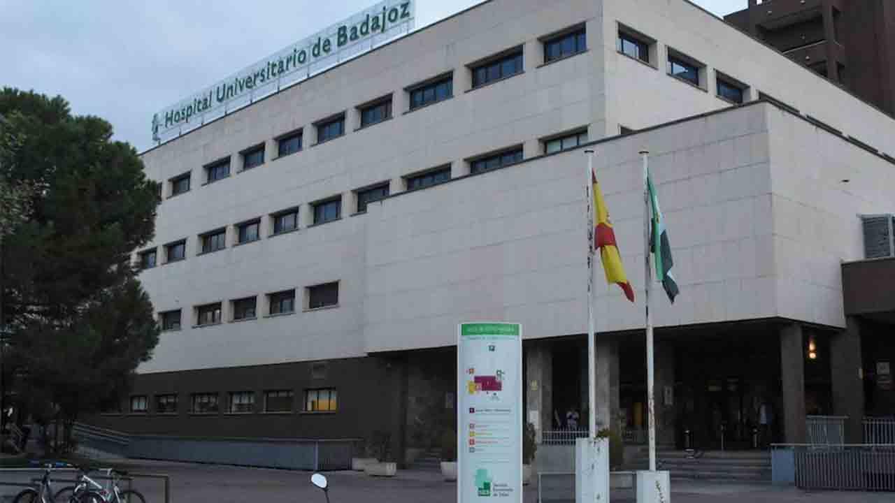 Extremadura tiene 413 pacientes por Covid, 63 de ellos en la UCI