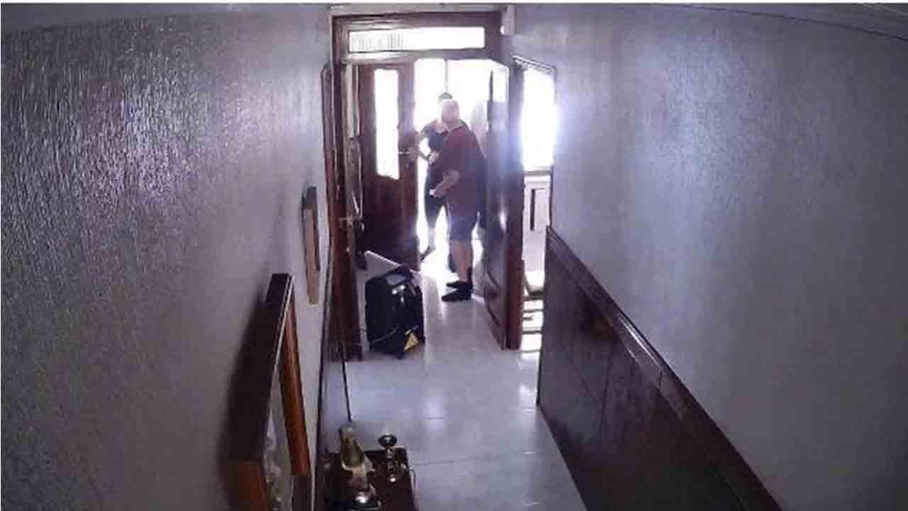4 detenidos por hurtos a personas mayores en el interior de sus viviendas