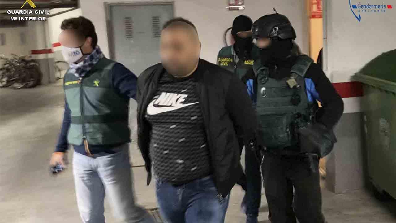 La Guardia Civil incauta más de dos toneladas de hachís