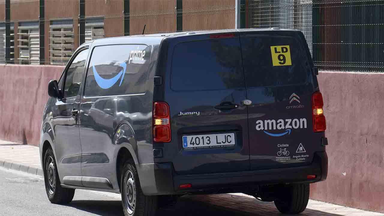 Amazon tendrá que registrar dos de sus filiales como operadores postales