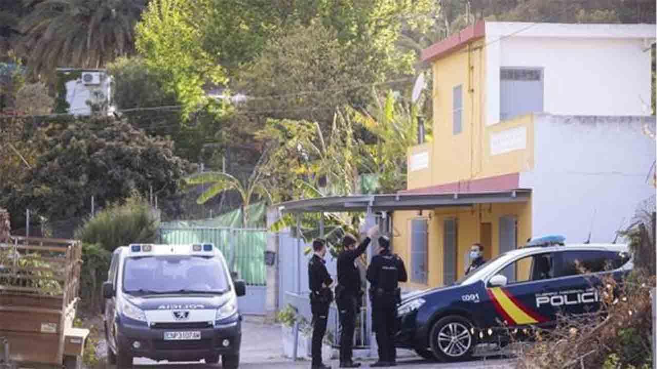 Una mujer de 34 años mata a su novia de 18 en Motril