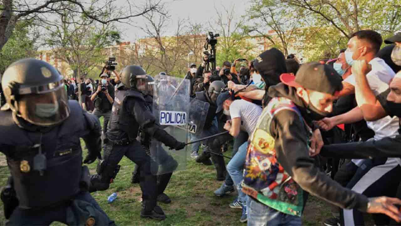 Vox fue a Vallecas a provocar violencia