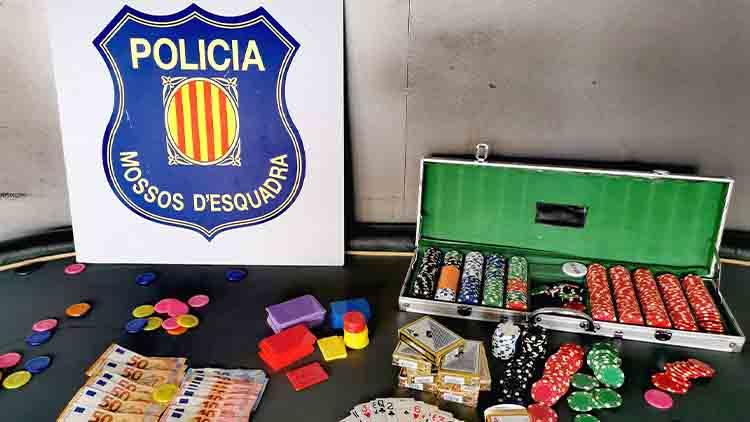 Desmantelan una partida ilegal de póquer e intervienen más de 6.000 euros
