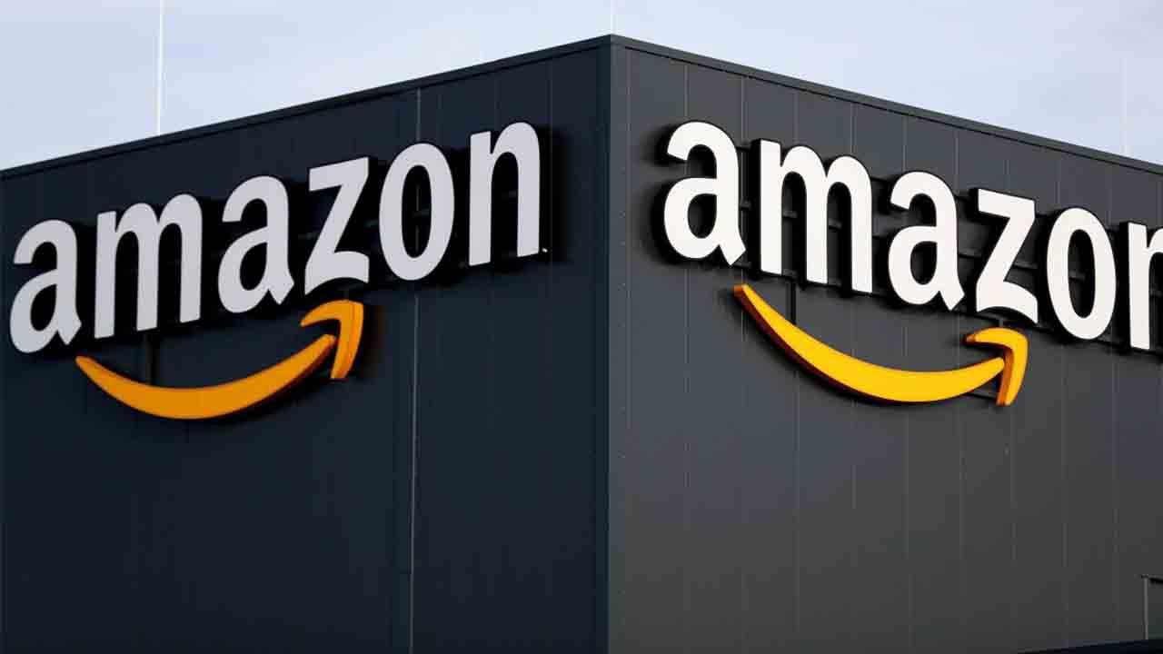 Más de 200.000 personas publicaban reseñas falsas en Amazon