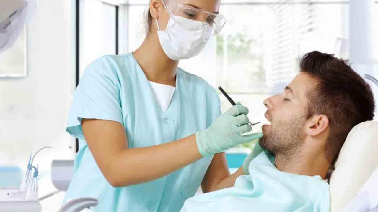 5 tipos de dispositivos de prótesis dental que tienes que conocer